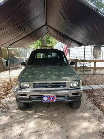 Photo 93 Toyota Tacoma crew cab - $4,800 (Supply)