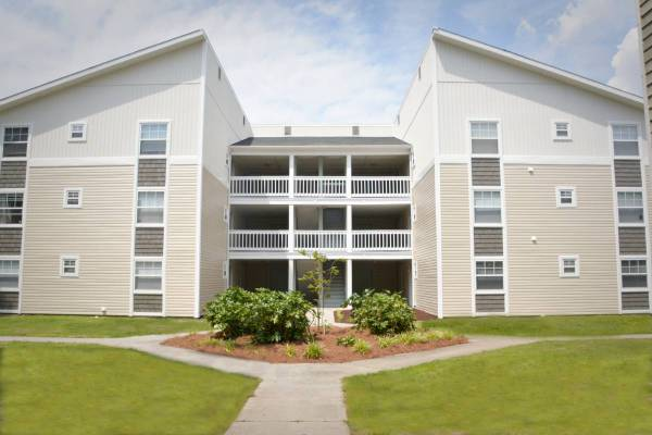 Photo All Inclusive Living at Village Green Apartments (Wilmington)