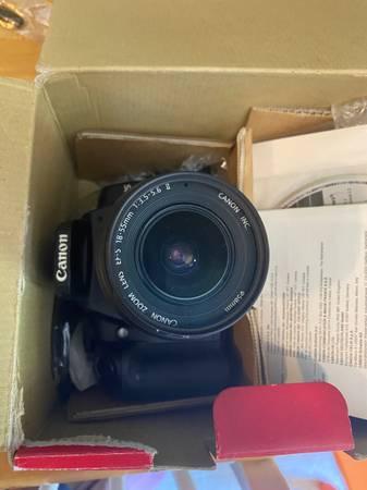 Photo Canon Rebel XTI Camera - $200 (Wilmington)