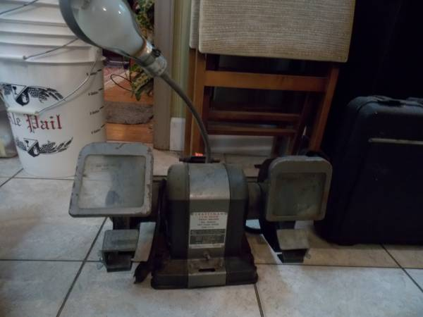 Photo Craftsman 13 HP table mounted grinder - $100 (Wilmington)