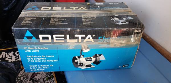 Photo Delta Grinder 6 inch bench - $50 (Wilmington)