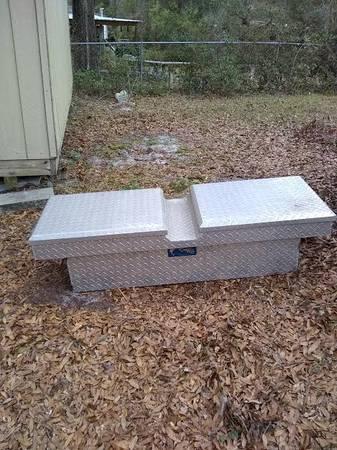 Photo Diamond Husky Aluminum tool Box - $100 (Wilmington NC)