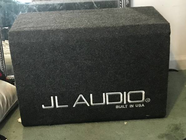 Photo JL Audio W6 12 High Output SUB in JL box - $400