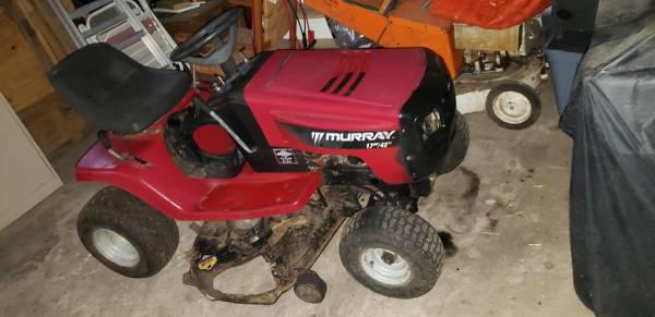 Photo Murray 42quot riding mower - $350 (Wilmington)