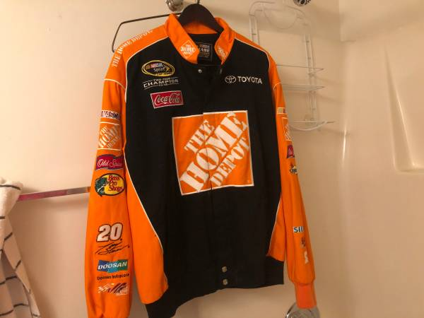 Photo NASCAR Tony Stewart 20 XL adult jacket - $40 (Wilmington)