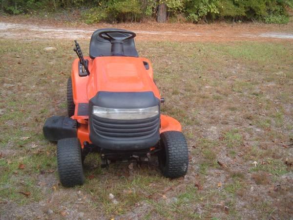 Photo Riding mower ariens - $350 (leland nc)