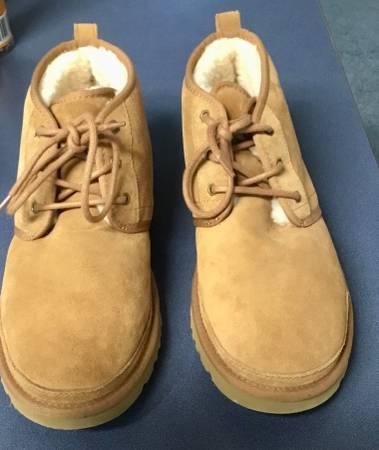 Photo UGG Chukka Boots- Mens - $75 (Oak Island)