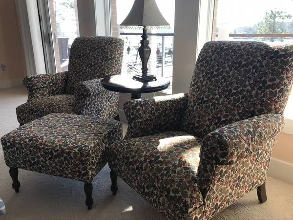 Photo Upholstered tapestry chairs with ottoman - $400 (Wilmington)