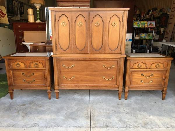 Photo Vintage Mid Century Armoire  Matching Marble Top 3 Drawer Nightstands - $500 (Wilmington)