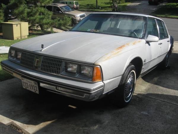 Photo 1985 Oldsmobile 98 Regency 4dr - $1 (22192)