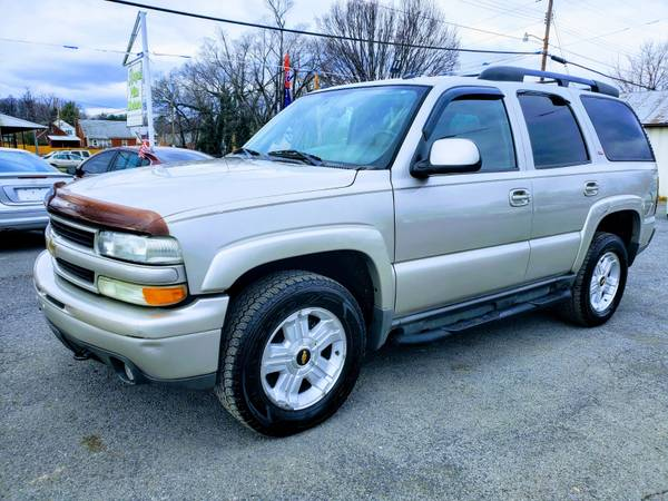 Photo 2005 CHEVY TAHOE 4X4, 7-SEATERDRIVES AWESOMEFREE 3 MONTHS WARRANTY - $5750 (ROYAL PIKE MOTORS)
