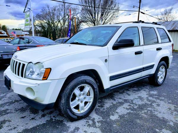 Photo 2005 JEEP GRAND CHEROKEE LIMITED 4X4 FULLY LOADED 3 MONTH WARRANTY - $5450 (ROYAL PIKE MOTORS)