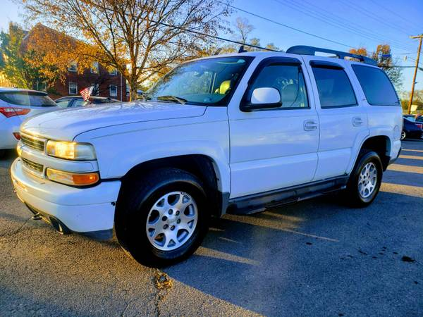 Photo 2006 CHEVY TAHOE 4X4, 7-SEATERDRIVES AWESOMEFREE 6 MONTHS WARRANTY - $5990 (ROYAL PIKE MOTORS)