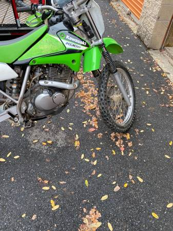 Photo 2006 KLX 125 Dirt Bike - $2,000 (Landover)