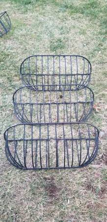 Photo 30 inch black powder coated steel wall or window planter - $20 (Winchester)