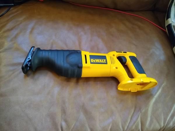 Photo $75 - DeWalt DW938 Cordless Reciprocating Sawzall - Works Perfectly - $75 (Winchester, VA)