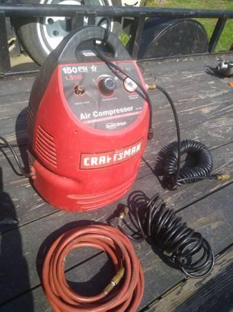 Photo Craftsman Compressor band saw - $75 (Bluemont)
