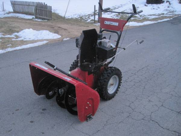 Photo Craftsman snowblower 29quot 9hp Two stage elec start GC - $695 (winchester)