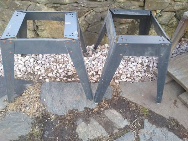 Photo Craftsman table saw stand casters dolly - $20 (Bluemont)