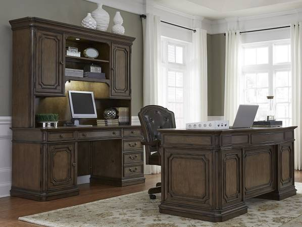Photo Estate Style Mahogany 3 Piece Desk Set Demands Attention-Like NEW - $3,525 (Winchester,Virginia)