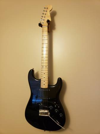 Photo Fender Partscaster - $550 (White Post)