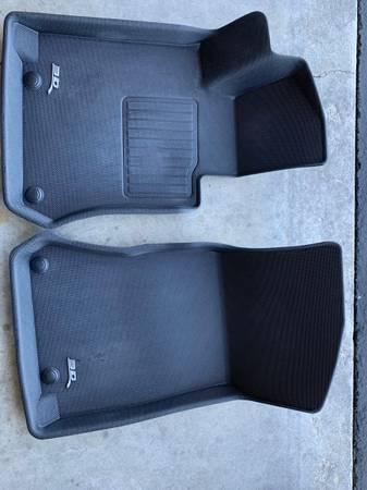 Photo GLC 300 All Weather custom front floor mats - $80 (Huntly)