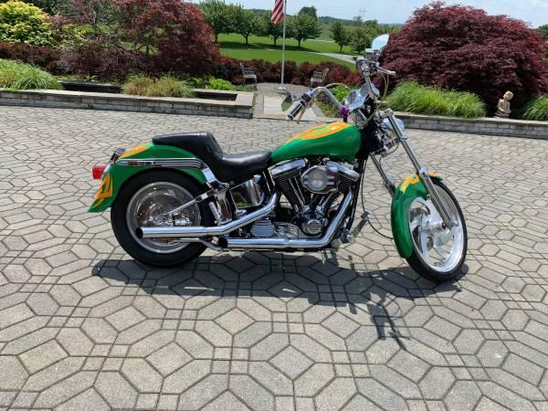Photo Harley Davidson Softail Custom 3050 miles - $9,500 (Monrovia)