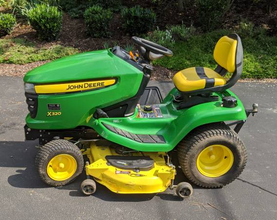 Photo John Deere X320 22HP Lawn Tractor  Lawn Mower - $2,200 (Winchester)