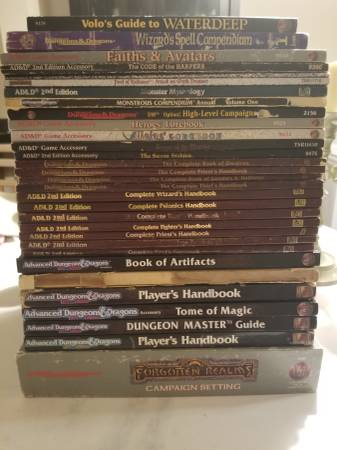 Photo Lot of Avanced Dungeons and Dragons 2nd Edition books