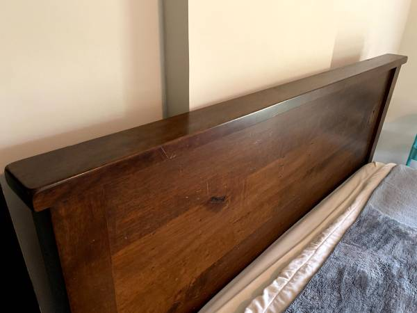 Photo Pottery Barn Sumatra King Headboard (bed frame included for free) - $350 (Woodville)