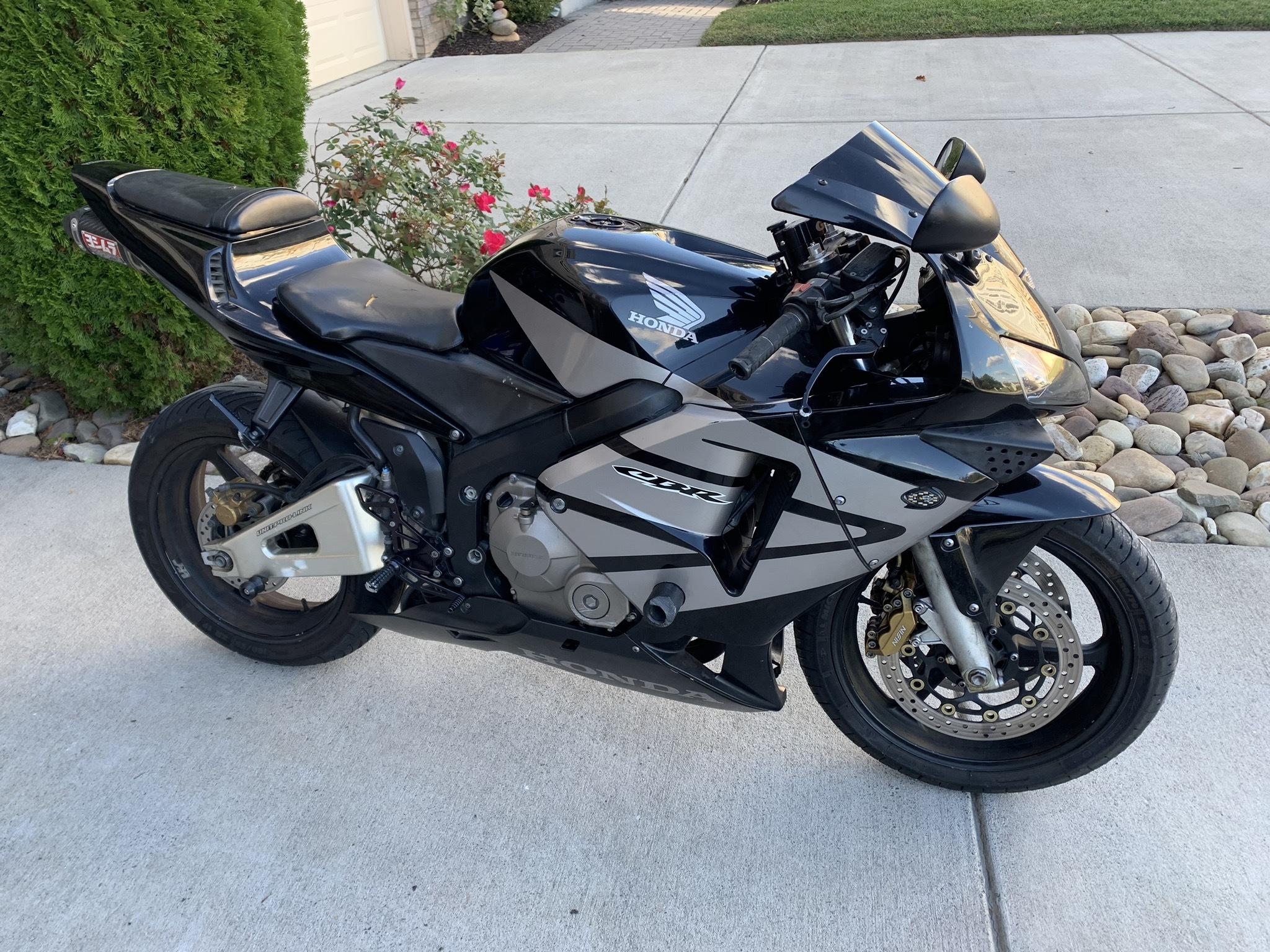 Photo 2004 Honda CBR $350088.5588.55