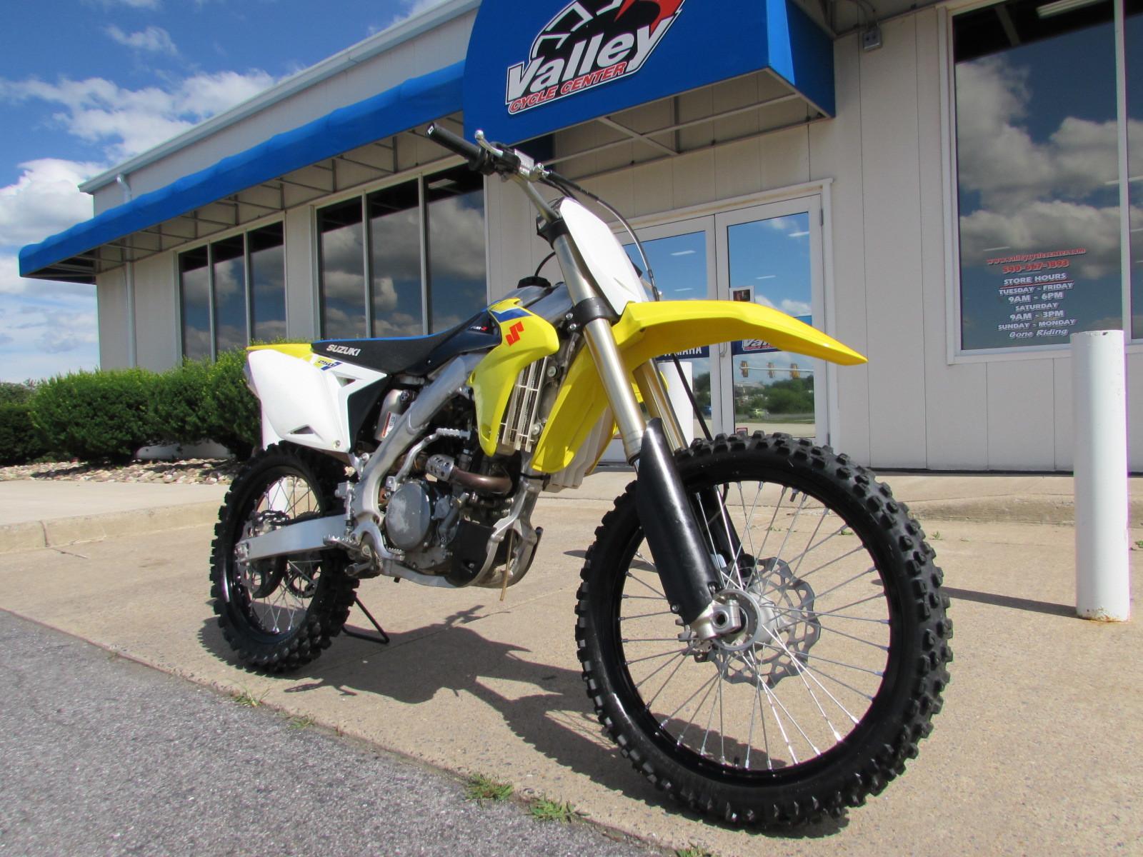 Photo Used 2018 Suzuki Dirt Bike Motorcycle  $6224