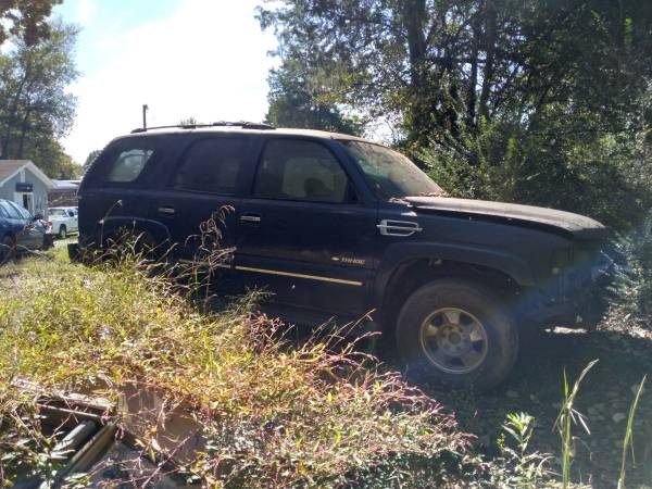 Photo 01 Chevy Tahoe 4x4 parting out - $600 (Lexington)
