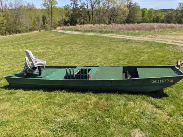 Photo 16 foot JonJohn boat, motor, bass, fishing - $1,000 (Burlington)