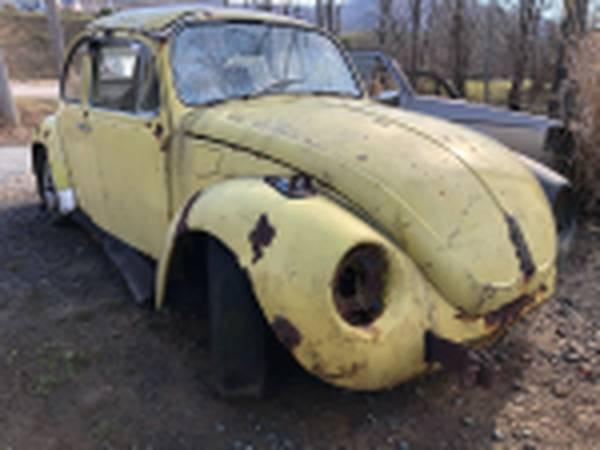 Photo 1972 Volkswagen Super Beetle Parts Car 1600cc 4 Speed VW - $600 (Boone, Nc)