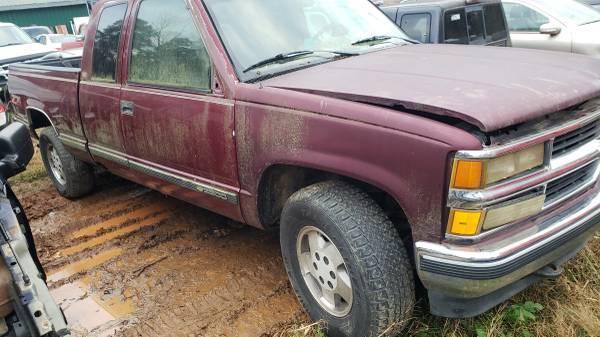 Photo 1988-1995 chevy truck parts (lexington nc)