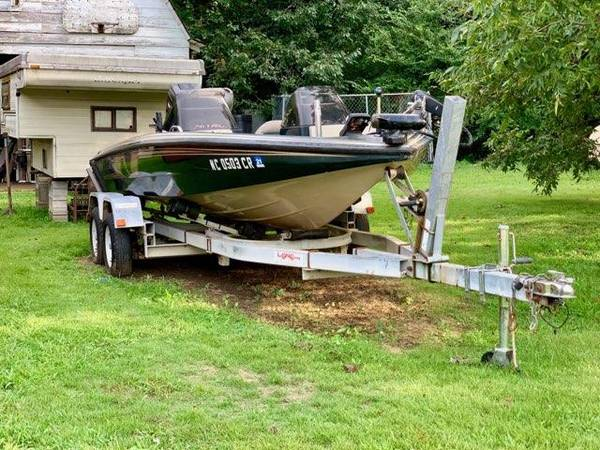 Photo 1996 18ft Nitro bass boat - $5000