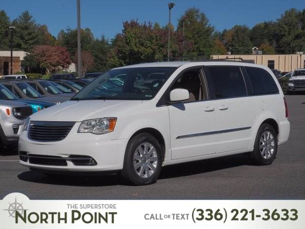 Photo 2016 Chrysler Town  Country Touring - $14,068 (_Chrysler_ _Town  Country_ _Van_)