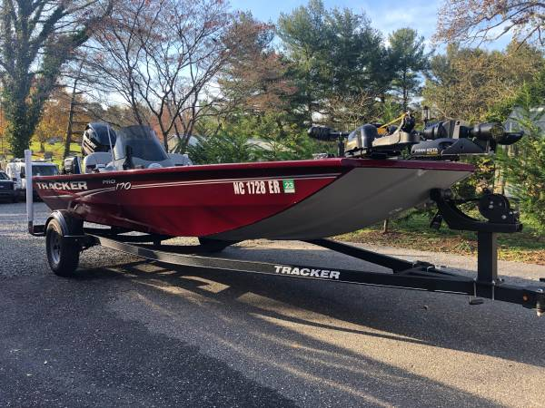 Photo 2018 Bass Tracker- loaded with everything new - $23,000 (Statesville)