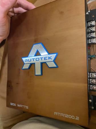 Photo Audiobahn 12in subs with autotek 1200watt  in ported box - $350 (Winston Salem)