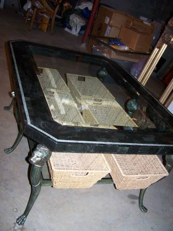 Photo Beautiful Henredon Coffee Table Lions Head Paw Feet Beveled Glass - $125 (Elkin)