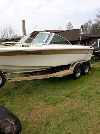 Photo Boat Cobalt 5.7 V8 - $3700 (Kernersville)