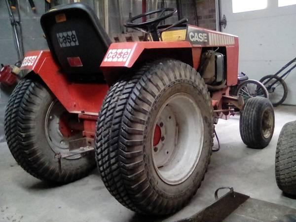 Photo Case 446 garden tractor - $375 (Lexington)