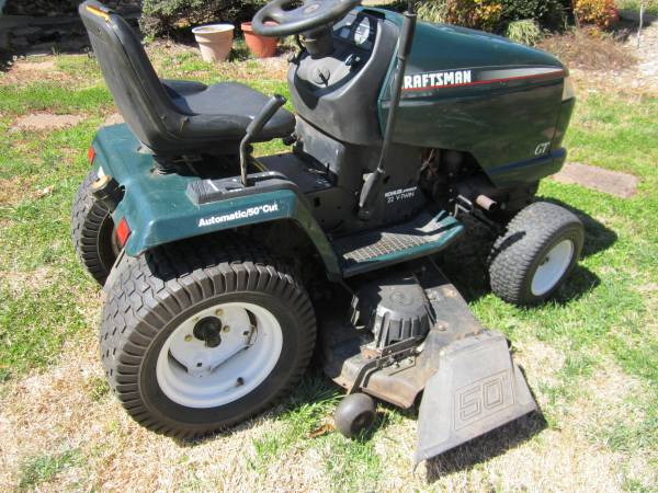Photo Craftsman GT Lawn Tractor - $600 (pilot mountain, nc)