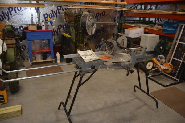 Photo DELTA Sawbuck Frane  Trim Saw - $130 (WINSTON SALEM)