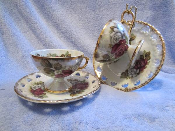 Photo FINE CHINA JAPAN PEARL LUSTER LOVELY SET OF TWO PEDESTAL CUPS AND SAUC - $40 (Winston-Salem)