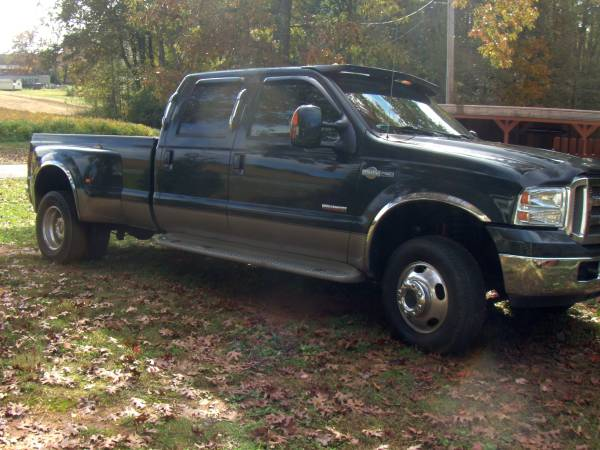 Photo Ford F-350 Dually Low miles 4x4 - $20,000 (East Bend)