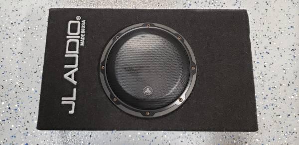 Photo JL Audio 8quot sub with JL Audio 200w  - $400 (Lewisville)