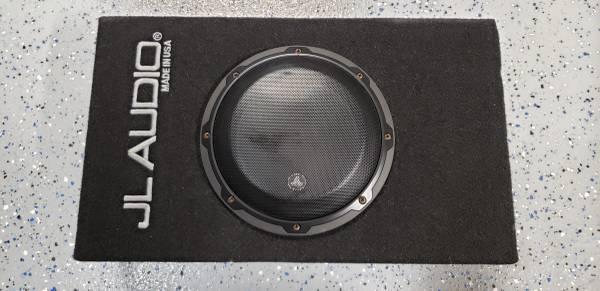 Photo JL Audio 8quot sub with JL Audio 200w  - $350 (Lewisville)