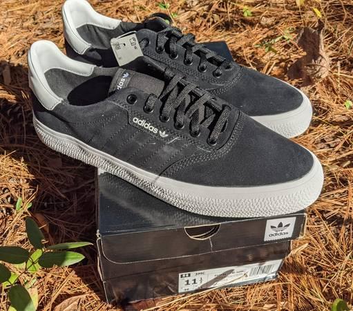 Photo New Adidas 3MC Men39s Skate Shoes, size 11.5 - $35 (Davie county)